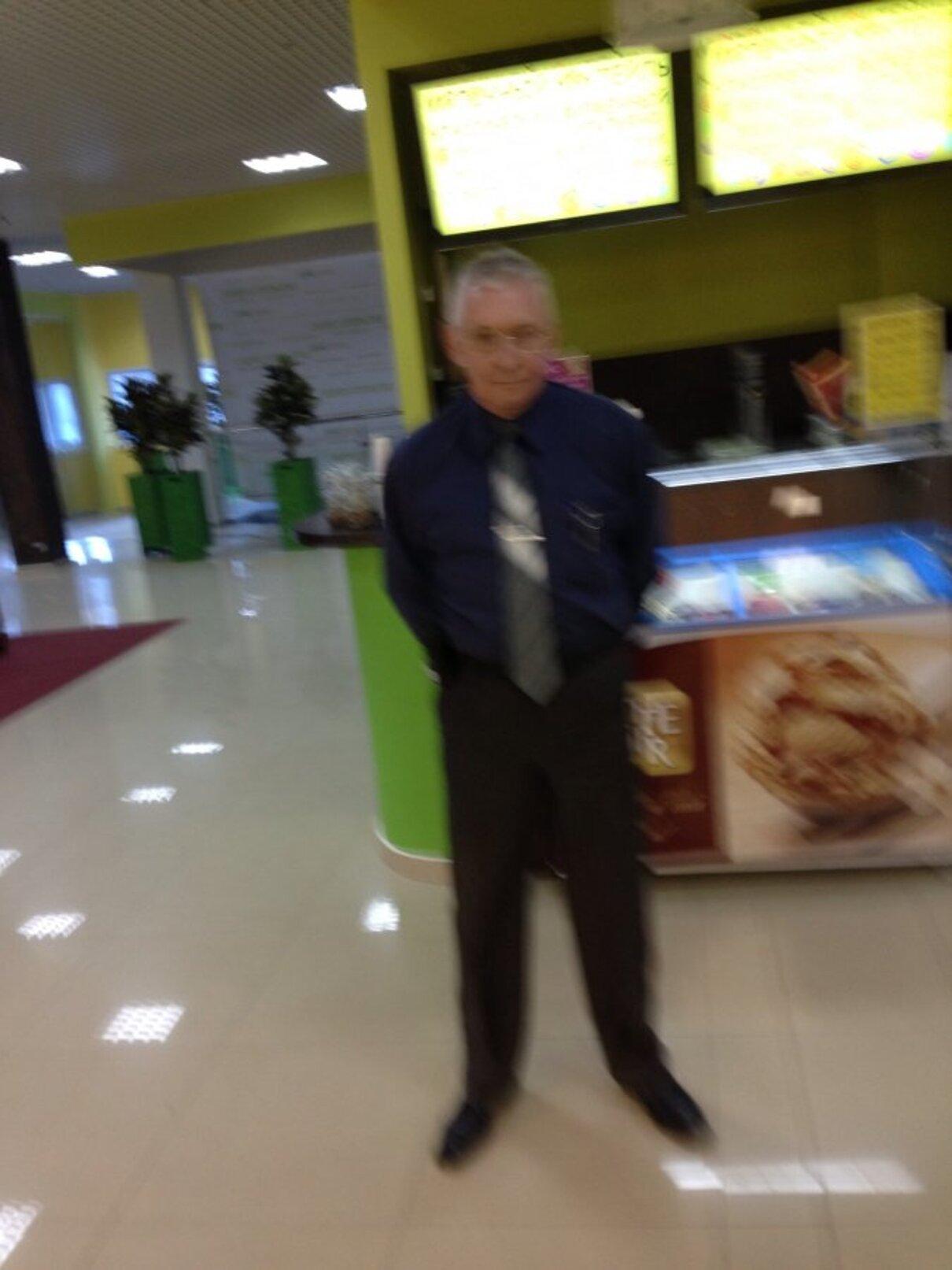 """Жалоба-отзыв: ТЦ """"Новая Дача"""" - Неадекватное поведение охранника.  Фото №1"""
