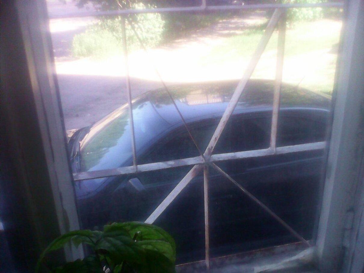 Жалоба-отзыв: Шинторг осуществляет ремонт автомобилей под окнами жилого дома