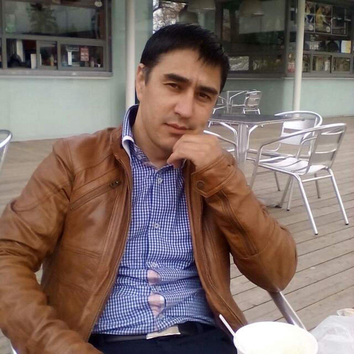 Жалоба-отзыв: Акрам - После ремонта квартиры смылся с ключами, оставив разбитую ванну.  Фото №1
