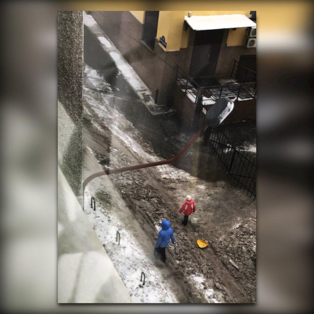 """Жалоба-отзыв: Рекламное Агенство Элис - В Элисе """"Оригинально"""" убирают снег.  Фото №1"""