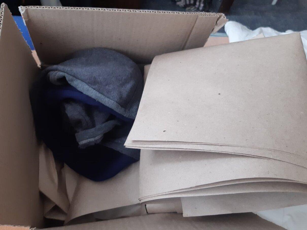 Жалоба-отзыв: 11029 НКО МД - Вместо двух детских планшетов - носки.  Фото №1
