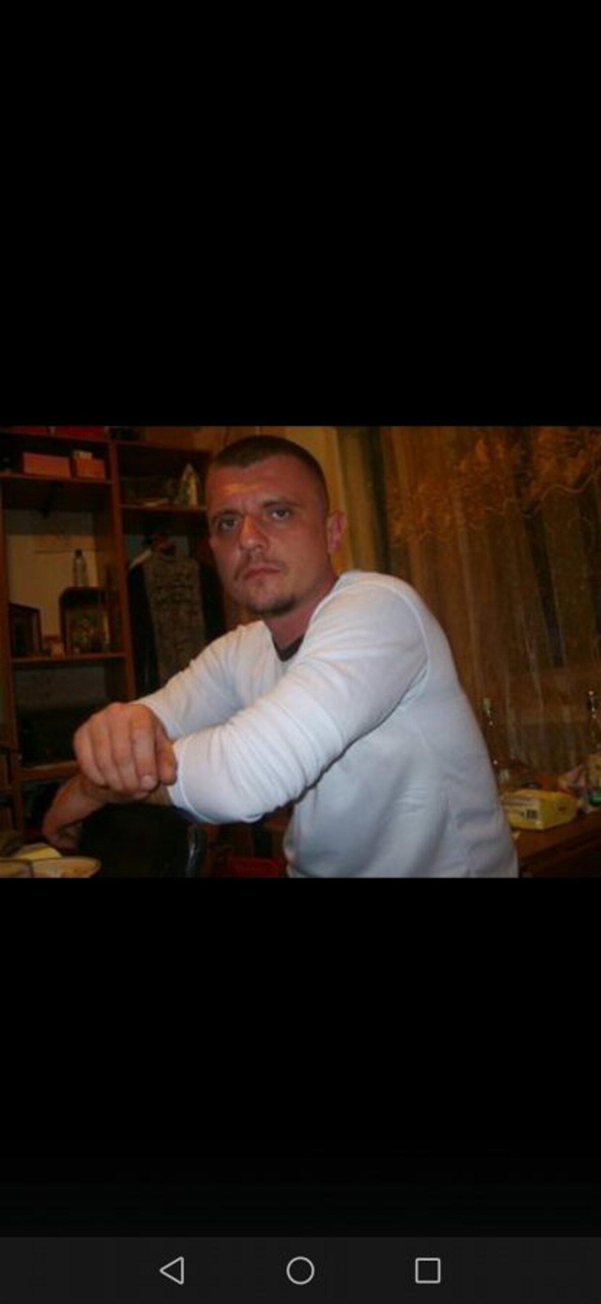 Жалоба-отзыв: Попов Антон Александрович - Берет деньги и кидает